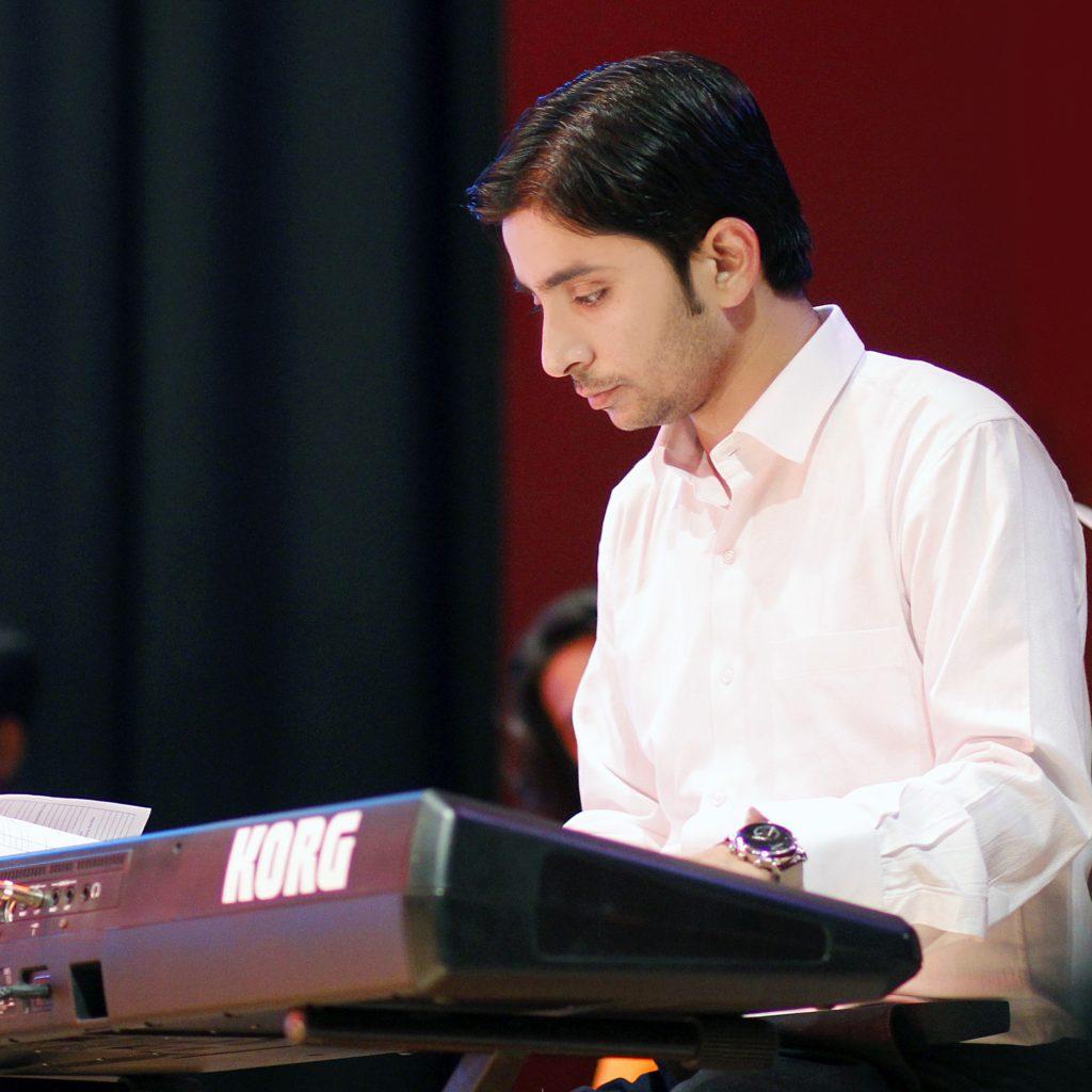 Abhishek-sharma-Keyboard-teacher